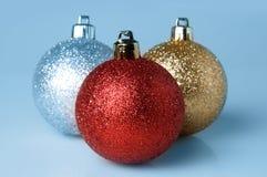 Bright sparkling Christmas ball Royalty Free Stock Photos