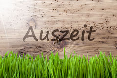 Bright Sunny Wooden Background, Gras, Auszeit Means Downtime Stock Photos