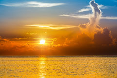 Bright sunset over ocean Royalty Free Stock Photos