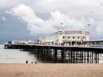 BRIGHTON ÖSTLIG SUSSEX/UK - MAJ 24: Sikt av Brighton Pier i Bri Arkivbilder