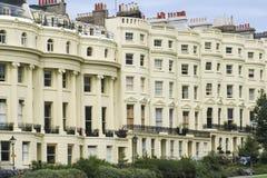 Appartements de période de régence de rue de Brighton images stock