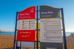 Brighton Beach West Pier - BRIGHTON, VEREINIGTES KÖNIGREICH - 27. FEBRUAR 2019 lizenzfreies stockbild