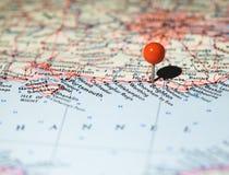 Brighton a goupillé sur la carte d'itinéraire images stock