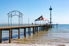 Brighton Jetty hermoso en un día soleado con el cielo azul en Sou Imágenes de archivo libres de regalías