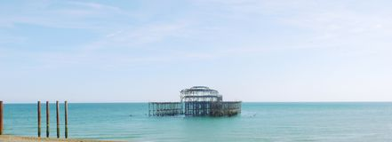 Brighton mola Zachodnia panorama zdjęcia royalty free