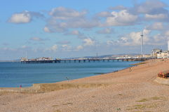 Brighton Pier en la costa este de Inglaterra Imágenes de archivo libres de regalías