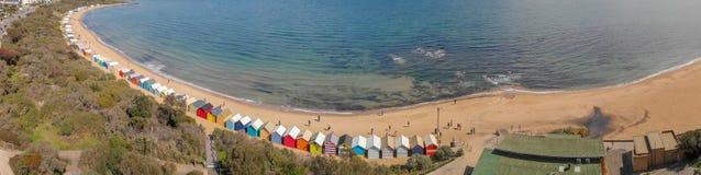 Brighton plaży Plażowi pudełka, powietrzny panoramiczny widok w zimie zdjęcia royalty free
