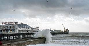 BRIGHTON, SUSSEX/UK - 15 DE FEBRERO: Brighton después de la tormenta adentro Imagen de archivo libre de regalías