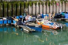 BRIGHTON, SUSSEX/UK - 24 DE MAYO: Opinión Brighton Marina en brillante Fotos de archivo