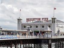 BRIGHTON, SUSSEX/UK DEL ESTE - 24 DE MAYO: Opinión Brighton Pier en Bri Imágenes de archivo libres de regalías