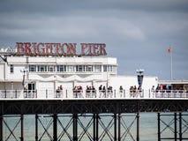BRIGHTON, SUSSEX/UK DEL ESTE - 24 DE MAYO: Opinión Brighton Pier en Bri Foto de archivo