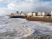 BRIGHTON, SUSSEX/UK - 15 FEBBRAIO: Brighton dopo la tempesta dentro Fotografia Stock Libera da Diritti