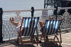 Brighton Twee Deckchairs Stock Foto's