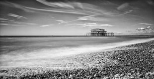 Brighton West Pier Black And vit royaltyfria foton