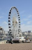 Brighton Wheel et plage l'angleterre photographie stock