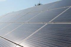 Brilhante e Sunny Solar Panels Imagem de Stock Royalty Free