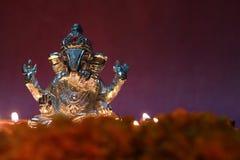 Brilho devido à lâmpada de óleo, estação do ídolo de Ganesh do festival Fotografia de Stock