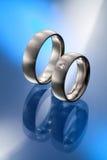 briljantsnittdiamanter parar att gifta sig för cirklar Royaltyfria Foton