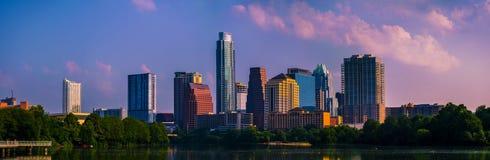Brillante una volta in una vita Austin Skyline Cityscape Panorama immagini stock libere da diritti