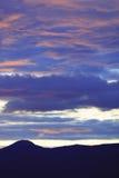 Brille intensamente después de la puesta del sol, Stowe, Vt, los E.E.U.U. Foto de archivo