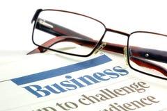 Brillen auf Geschäftspapieren Lizenzfreies Stockbild