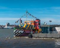 Brillez le ferry photographie stock