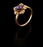 brilliants χρυσό δαχτυλίδι στοκ φωτογραφίες με δικαίωμα ελεύθερης χρήσης