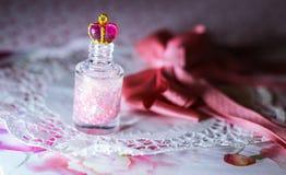 brillo nailpolish rosado de las tendencias de la belleza de la moda de la princesa Imágenes de archivo libres de regalías