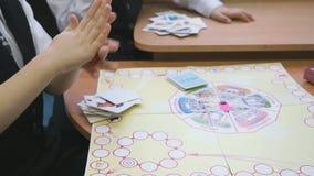 Brincadeiras no jardim de infância dentro vídeos de arquivo