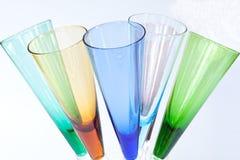 Brindando vidros fotografia de stock royalty free