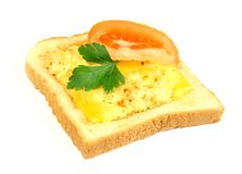 Brinde com queijo e fatia fundidos de um tomate, iso Imagens de Stock Royalty Free