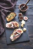 Brindes com bacon e figos Imagens de Stock Royalty Free