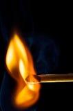 Bringen Sie Anfang zusammen, um in Flamme zu bersten Lizenzfreies Stockbild