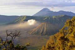 Bringen Sie Bromo, einen aktiven Vulkan in Osttimor an Stockfotografie