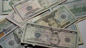 Bringen Sie das Geld zurück stock footage