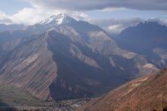 Bringen Sie Gebirgszug Chicon Urubamba in Cusco Peru UNESCO-Welterbestätte an lizenzfreie stockbilder