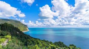 Bringen Sie Nationalparkküstenlinie Conero in Sirolo, Italien an Lizenzfreie Stockbilder