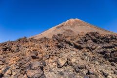 Bringen Sie Teide und vulkanische Felsen, Teneriffa, Kanarische Inseln, Spanien an lizenzfreies stockfoto