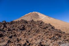 Bringen Sie Teide und vulkanische Felsen, Teneriffa, Kanarische Inseln, Spanien an stockfotografie