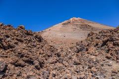 Bringen Sie Teide und vulkanische Felsen, Teneriffa, Kanarische Inseln, Spanien an lizenzfreie stockfotografie