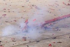 Brinnande firecracker Royaltyfri Foto