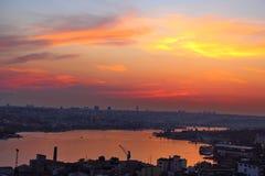 Brinnande himmel under solnedgången Fotografering för Bildbyråer