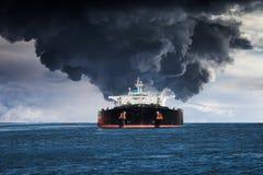Brinnande skepp Royaltyfri Fotografi