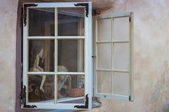 Brinque em uma janela, Tallinn, Estônia Imagens de Stock