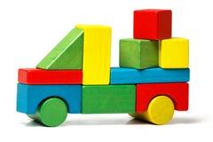 Brinque o caminhão, carga de madeira do transporte dos blocos do carro multicolorido Imagens de Stock Royalty Free