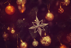 Brinquedo brilhante na árvore de Natal Imagem de Stock