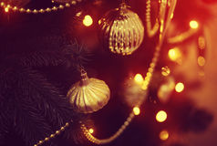 Brinquedo brilhante na árvore de Natal Fotografia de Stock Royalty Free