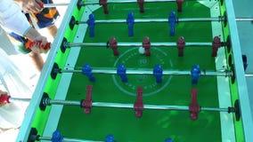 Brinquedo das crianças do entretenimento da tabela do futebol video estoque