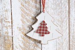 Brinquedo de madeira - árvore de Natal foto de stock