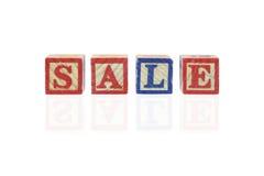 Brinquedo usando-se como o conceito da venda imagens de stock royalty free